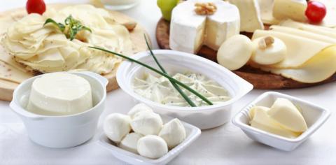 Диетологи советуют «получать» кальций не из свежего молока, а из кисломолочных продуктов