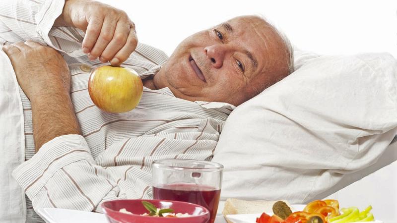 Постельный режим требует ограничения калорийности питания