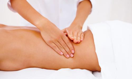 Курс лечебного массажа — один из вспомогательных методов терапии при радикулите