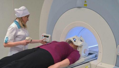 Для МРТ сочленений челюсти ставится дополнительное устройство со специальными катушками возле них
